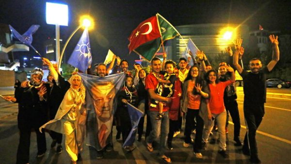 Turkish people vote in snap elections